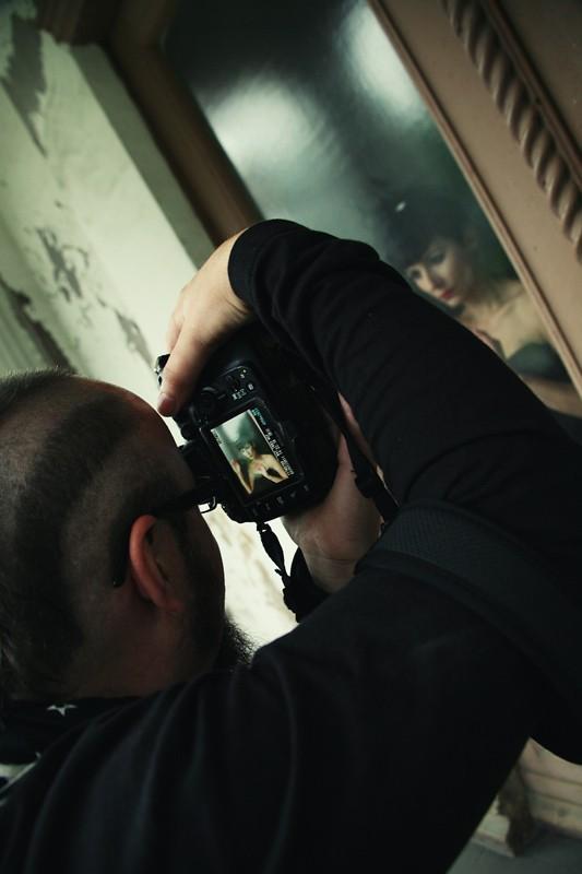 najfajniejsza Kura na świecie strzela do Moni w akwarium, fot. Marcelina