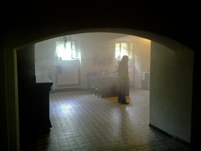 awaria ...chciałam napalić w piecu... i trochę mi nie wyszło ;) fot. Robert Klasiński